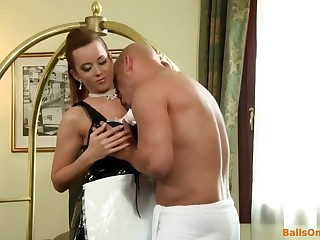 Sexy brunette babe fucks as slut in burnish apply hotel room