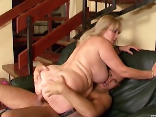 Fat mature leaves the nephew to fuck both her fat holes