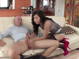 Old guy gets lucky and nation his prick in wet clock of Nicole Ferrera
