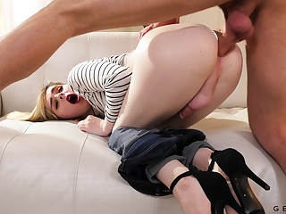 Long legged pallid ladyboy Ella Hollywood loves nothing but bad analfuck