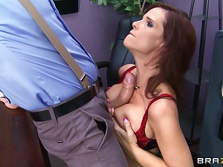 Brunette pornstar Syren De Mer fucked upon all holes at the end of one's tether a huge cock