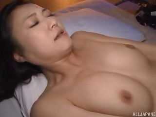 Mechanical lovemaking overhead the bed give gorgeous Japanese Nagasawa